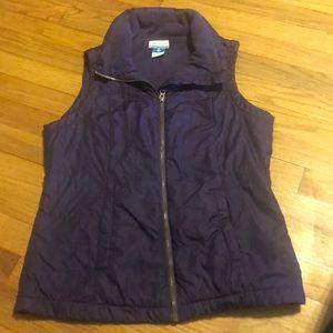 Columbia women's Medium purple zippered vest